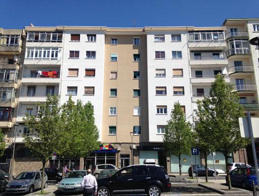 Albañilería Landetxa ha llevado a cabo la restauración de la fachada en la calle Aduana 27, en Irun