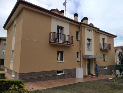 Albañilería Landetxa ha llevado a cabo la restauración y rehabilitación de la fachada con Sistema de Aislamiento Térmico Exterior (SATE)