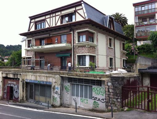 Albañilería Landetxa ha llevado a cabo la restauración de la fachada en la calle Jai Alai 15, en Donostia