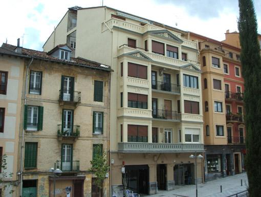 Albañilería Landetxa ha llevado a cabo la restauración de la fachada en la calle Escuelas 6 de Irun